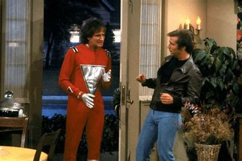 Robin Williams' First 'Happy Days' Appearance as Mork Will