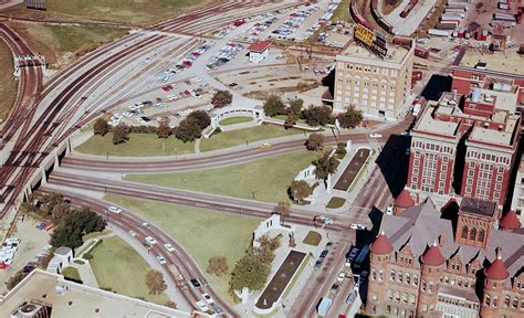Dealey Plaza – Site of the JFK Assassination   Interactive