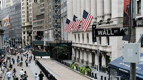 Tech and banks will remain Wall Street's stock leaders