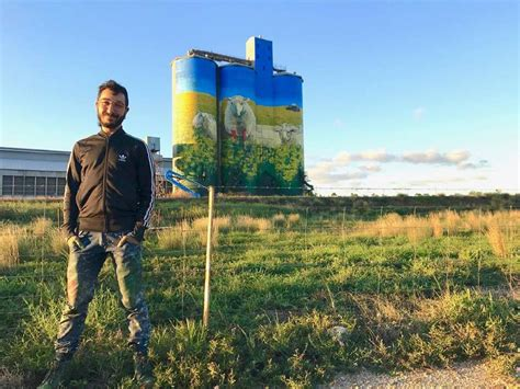 Merriwa silos brought to life with 280 litres of paint