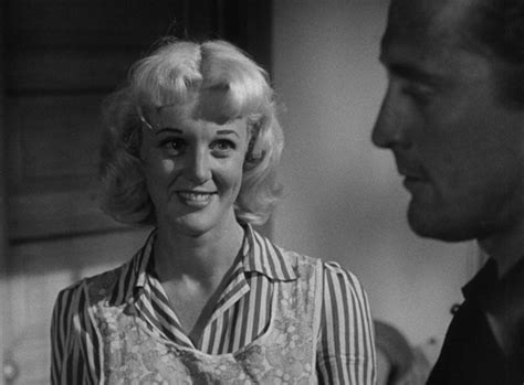 Movie and TV Cast Screencaps: Ace In The Hole (1951