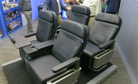 United reveals new first class seats, aromatherapy [PHOTOS
