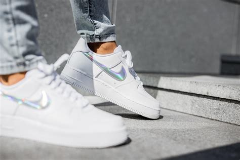 Nike Women's Air Force 1 '07 Essential Iridescent/White